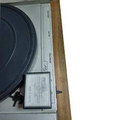 Plyty 2 - gramofon.jpg